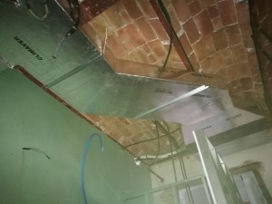 Instalación por conductos: 10.000 frigorías en piso de 100 m2